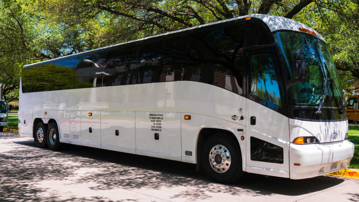 Top 5 Factors Affecting Charter Bus Rental Prices World News Mania